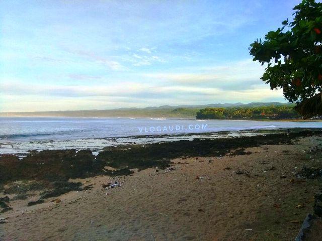 Berburu Sunrise di Pantai Rancabuaya